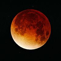 200px-Lunar-eclipse-09-11-2003
