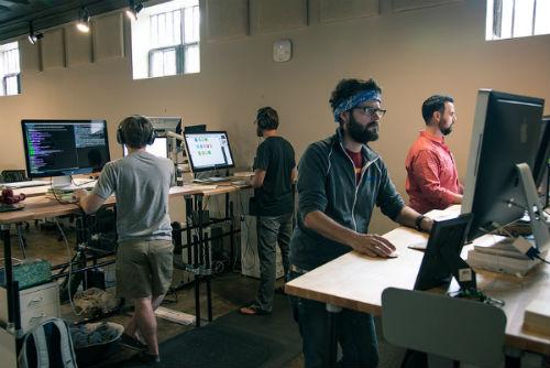 http://basic-officedesign.com/blog/wp-content/uploads/standing-desk.jpg
